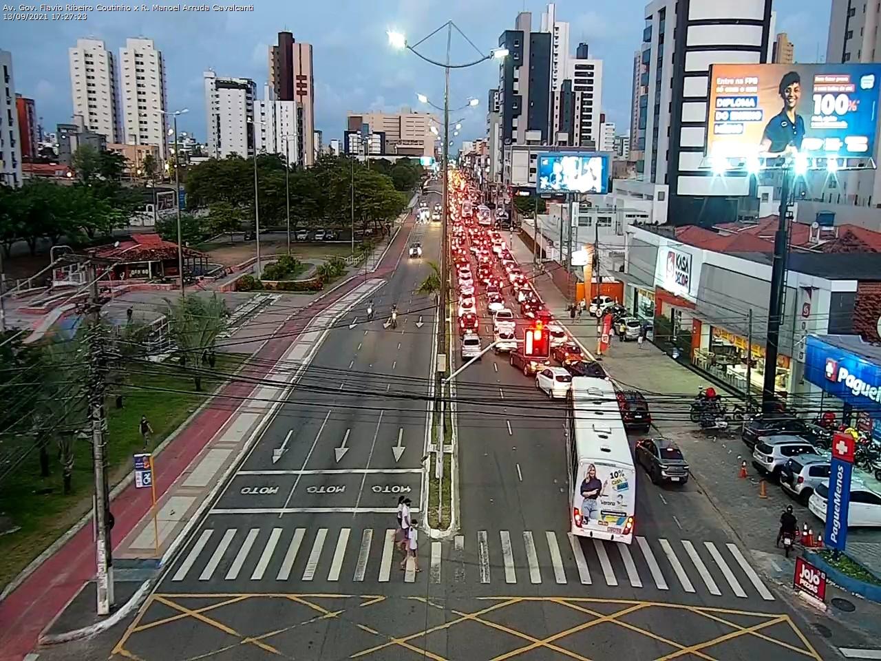 motoboy3 Motoboys fecham avenida em protesto após morte de entregador em acidente no Retão de Manaíra em João Pessoa