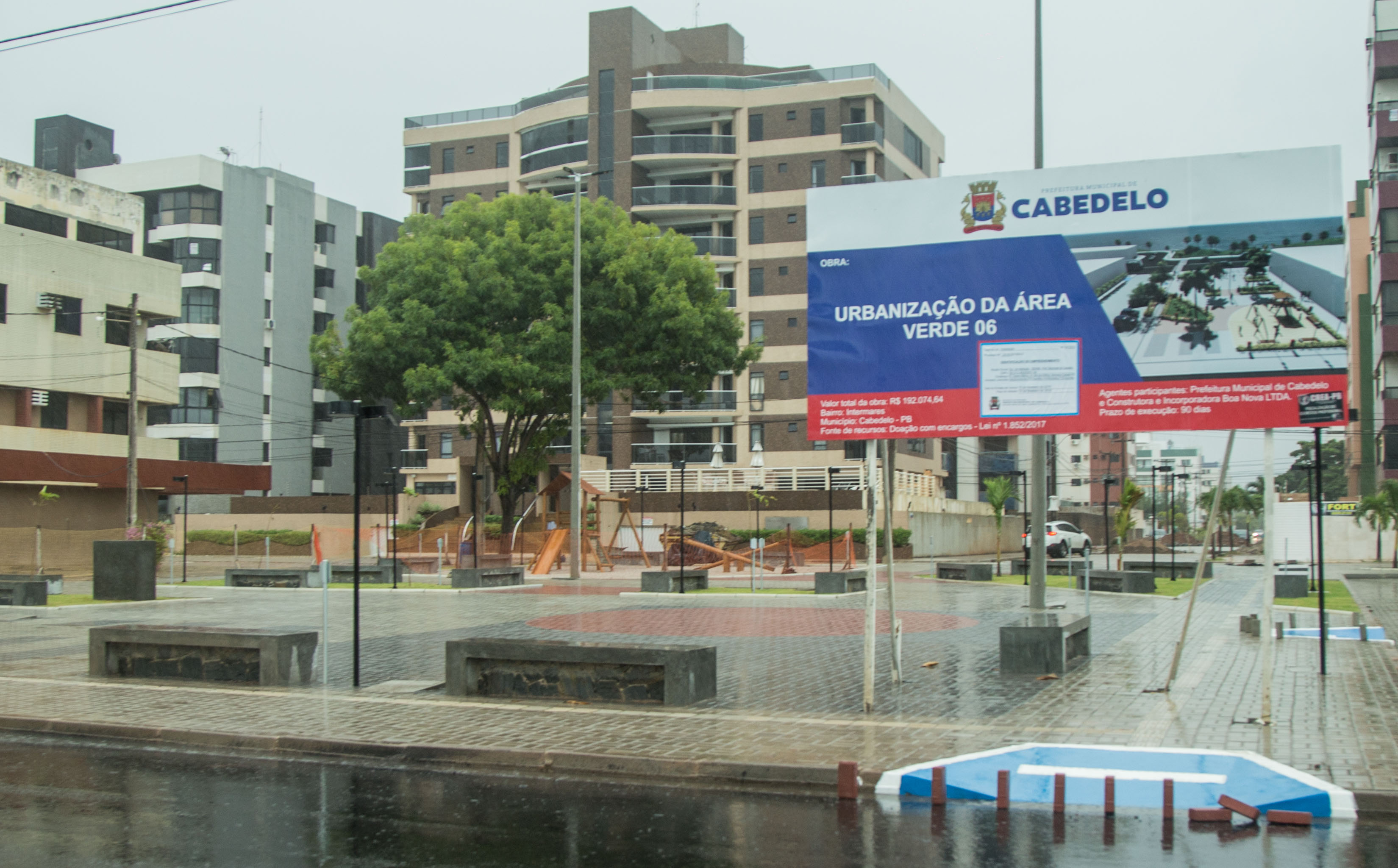 318cf6339 Com investimento de R$ 192.074,64, o espaço segue o padrão das praças  construídas no bairro, e contará com passeios em piso intertravado, quadra  de areia ...