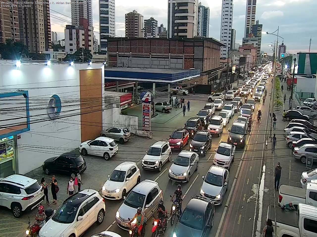 motoub Motoboys fecham avenida em protesto após morte de entregador em acidente no Retão de Manaíra em João Pessoa