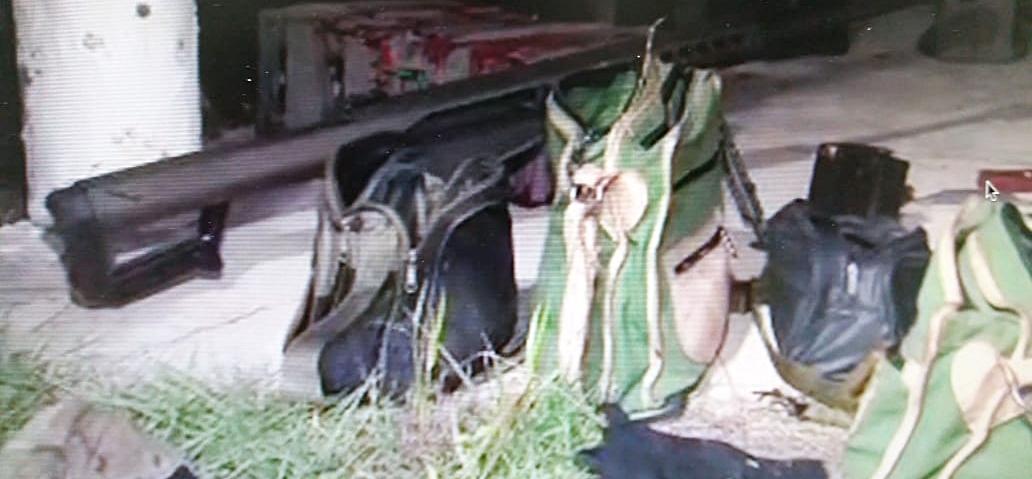 Resultado de imagem para Quatro homens suspeitos de explodir carro-forte na BR-230 são presos após horas de negociação da PM