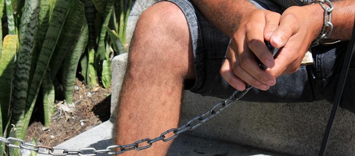 acorrentado